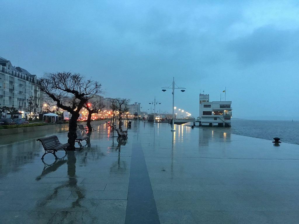 amanecer-lluvia-muelle-calderon-santander