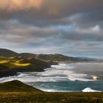 La costa de Tagle, verdes acantilados y brava mar