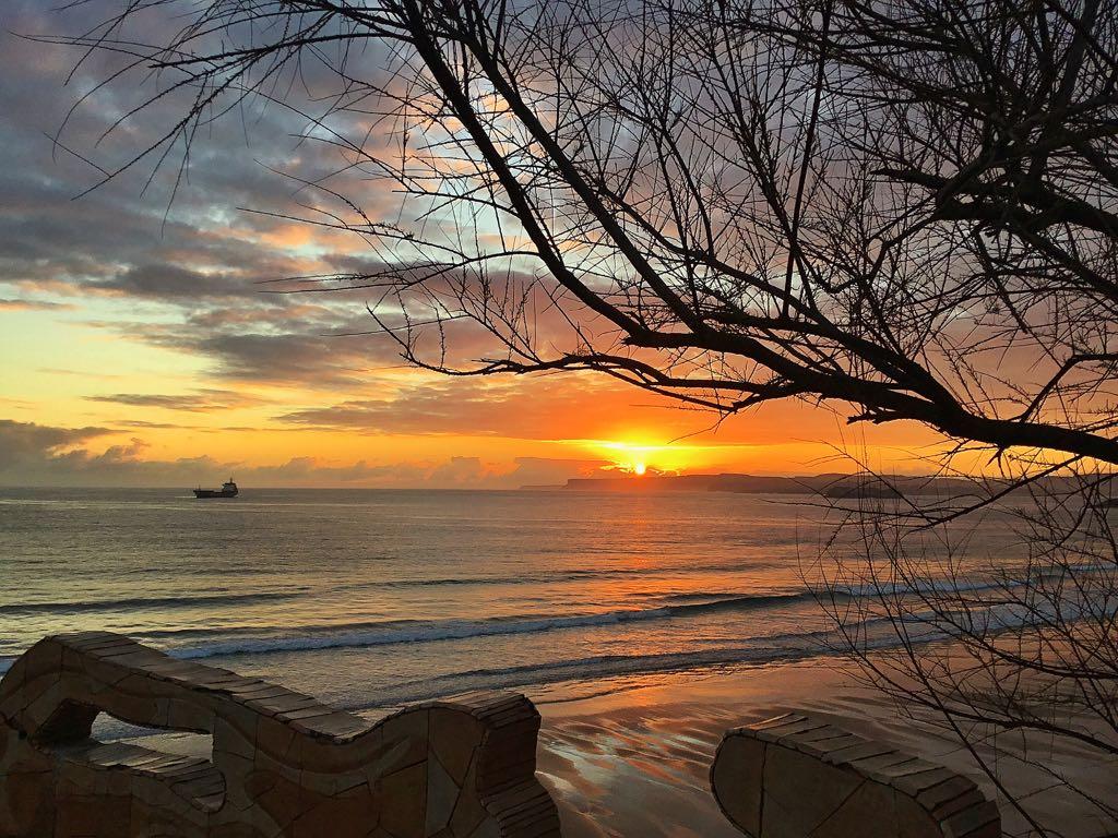 barco-piquio-amanecer