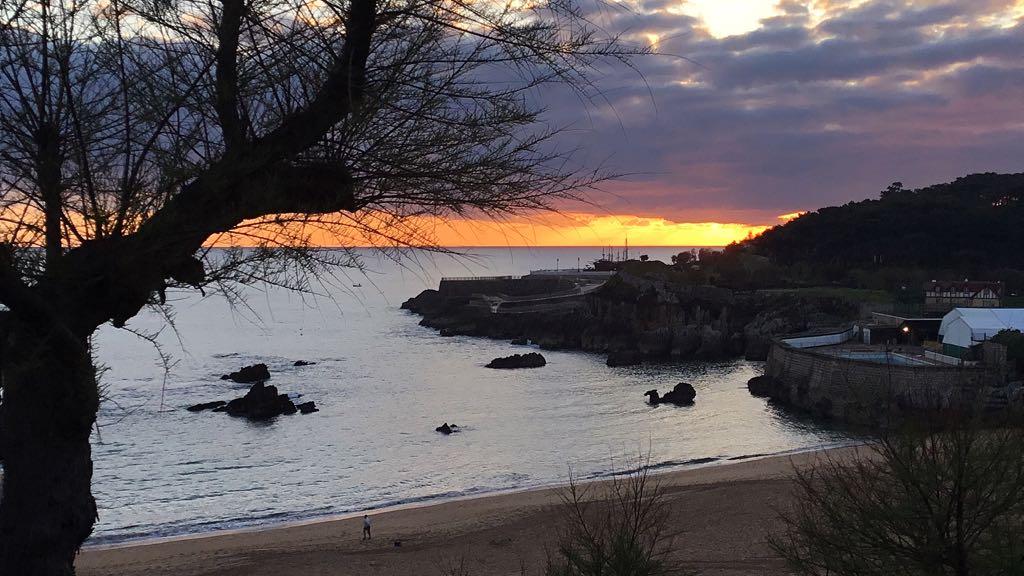 playa-camello-santander-amanecer