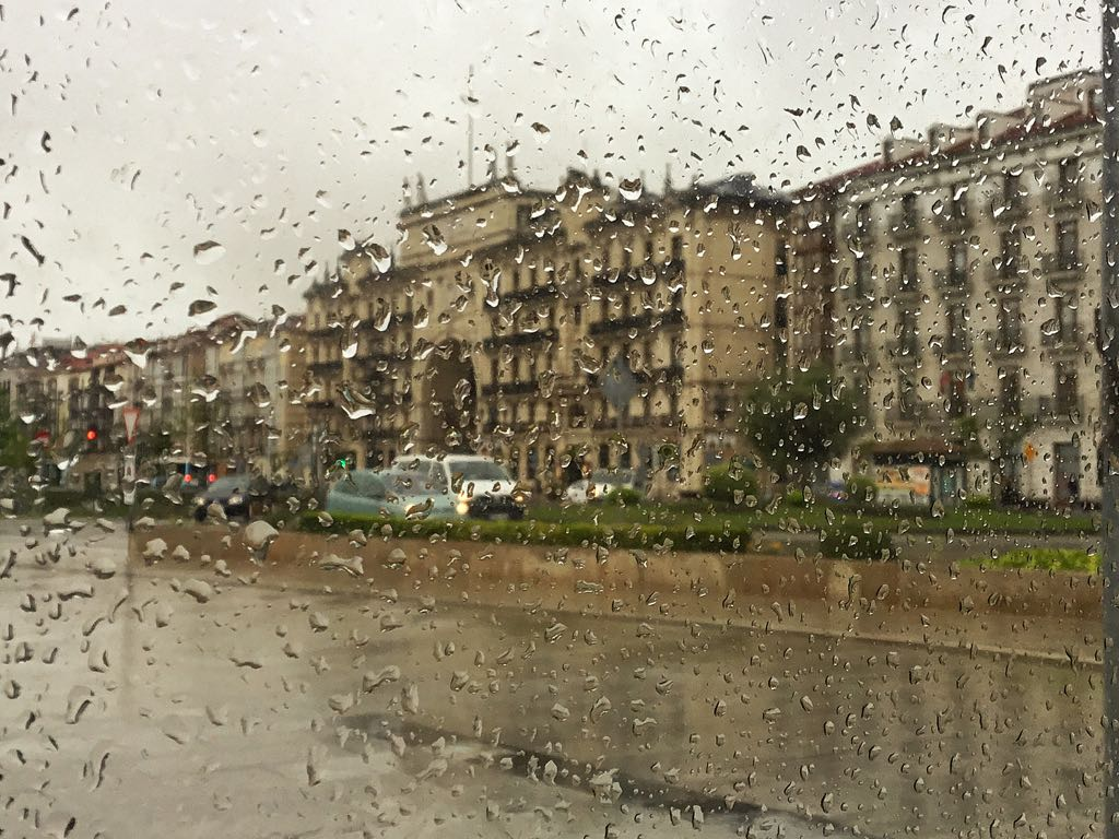 banco-santander-lluvia