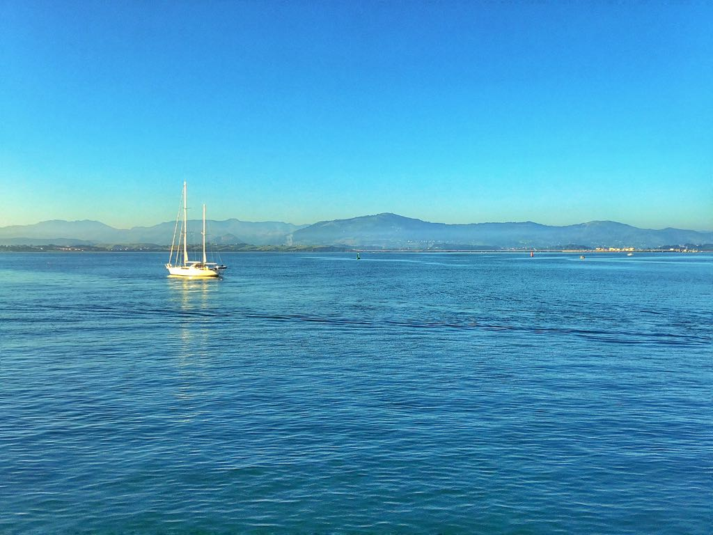 azul-bahia-santander-velero