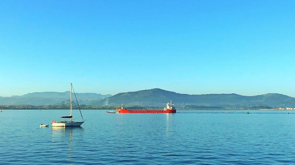 bahia-grandes-barcos-santander