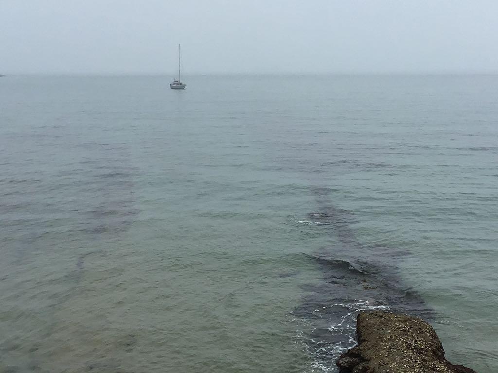 barco-horizonte-lluvia