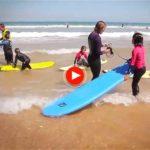 En Somo también hay surf para los más pequeños