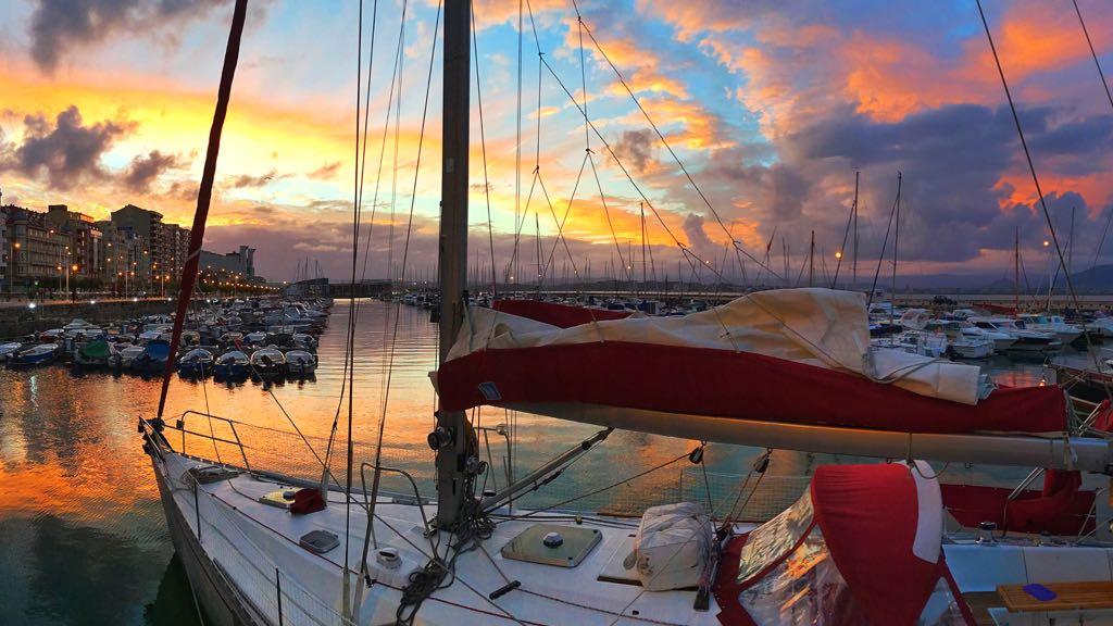 amanecer-velero-puertochico