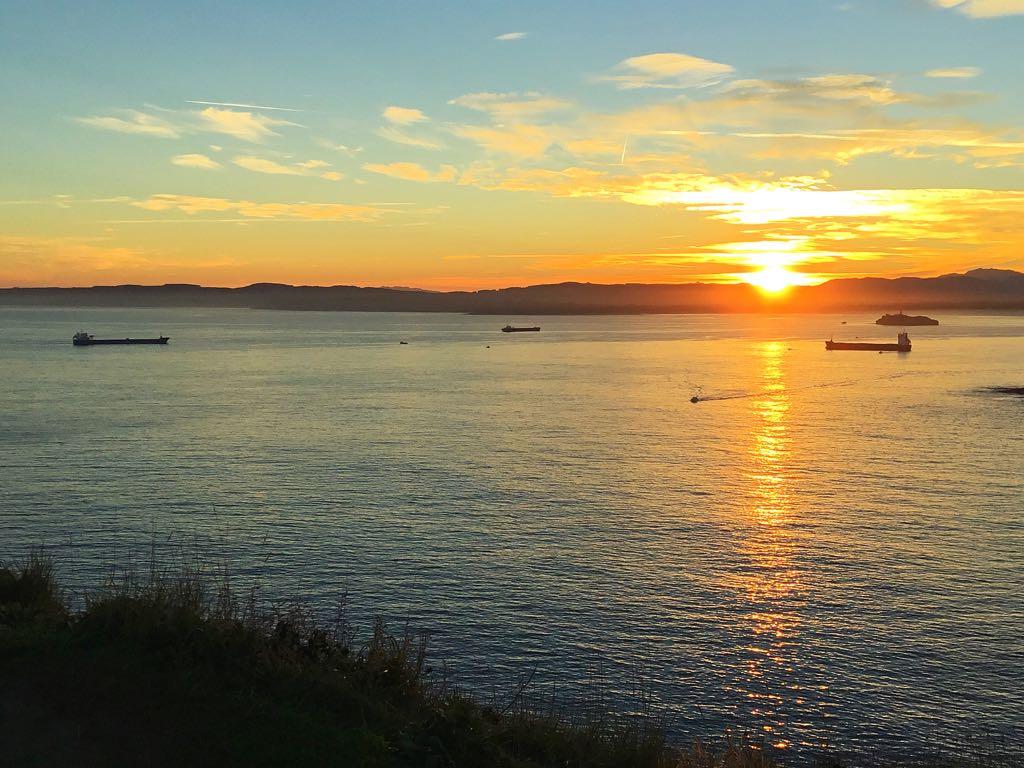 buques-abra-sardinero-amanecer
