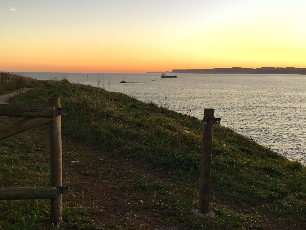 buques-amanecer-sardinero