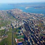 Volamos sobre Santander para enseñarte la bahía, la Albericia, Cueto y el puerto