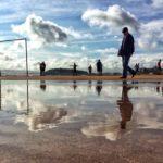 Fútbol y paseo en el Sardinero