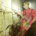 Jesús Calleja, en Cantabria, descendiendo el segundo pozo más vertical del planeta