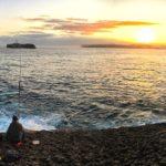 De pesca, viendo amanecer y con la isla de Mouro como telón de fondo. ¿Qué más se puede pedir?