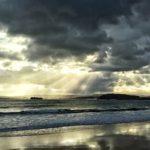 Rayos que apuntan a la mar