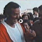 Un día de verano de 1983… Julio Iglesias paseando por la antigua lonja de Santander