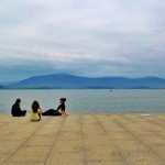 Descanso junto a la bahía