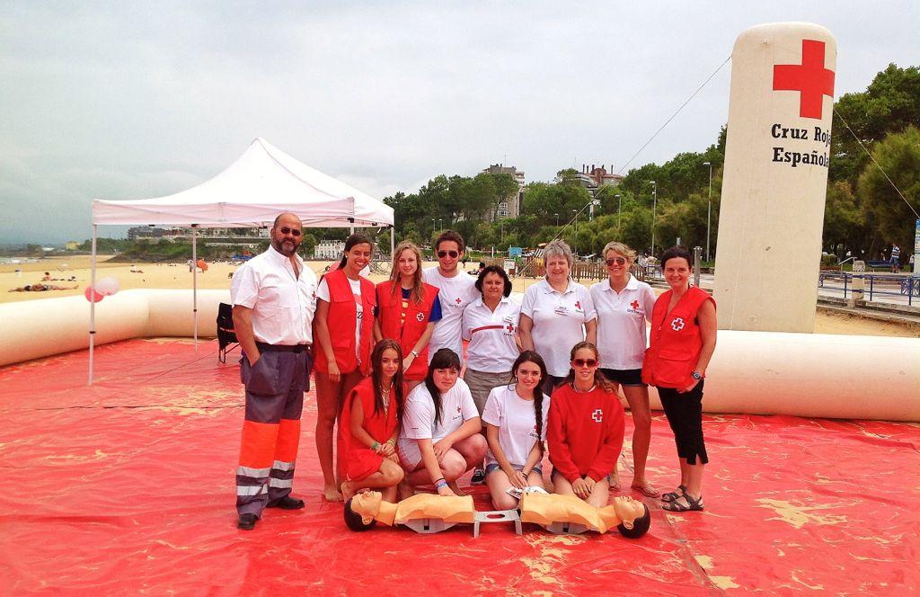 7b4603ab12cf8 cruzrojaesteveranoquieretemucho Esta semana una veintena de voluntarios de Cruz  Roja ...