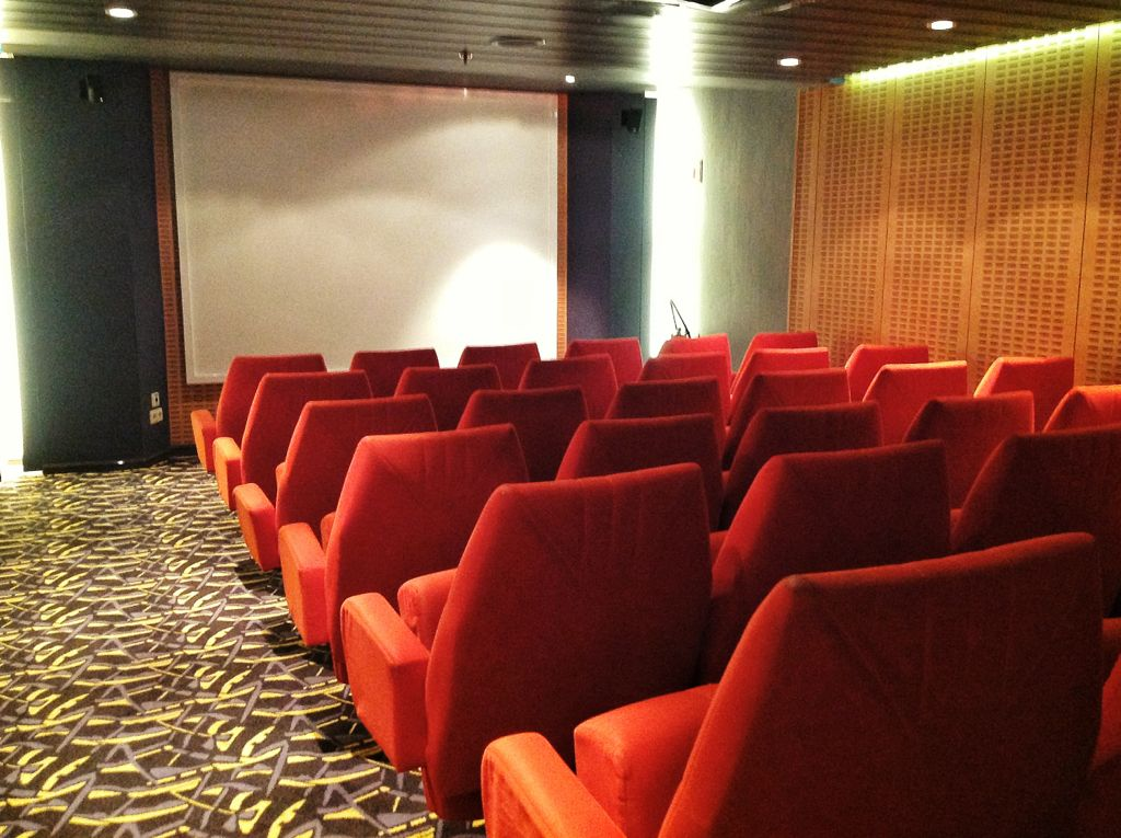 brittany-ferries-pont-aven-cine
