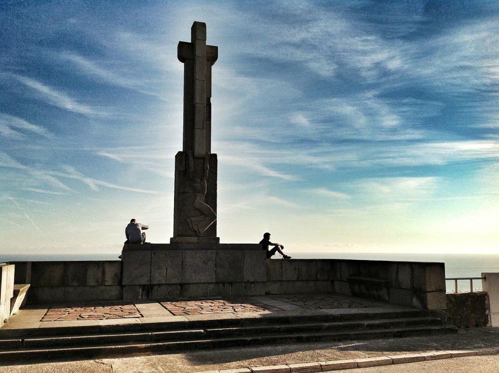 el-monumento-del-faro-de-santander