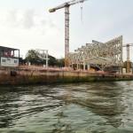 La sala de reuniones de las obras del Centro Botín tiene vistas a la bahía