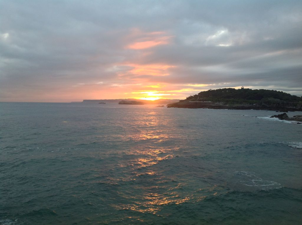 amanecer-naranja-desde-la-playa-del-camello