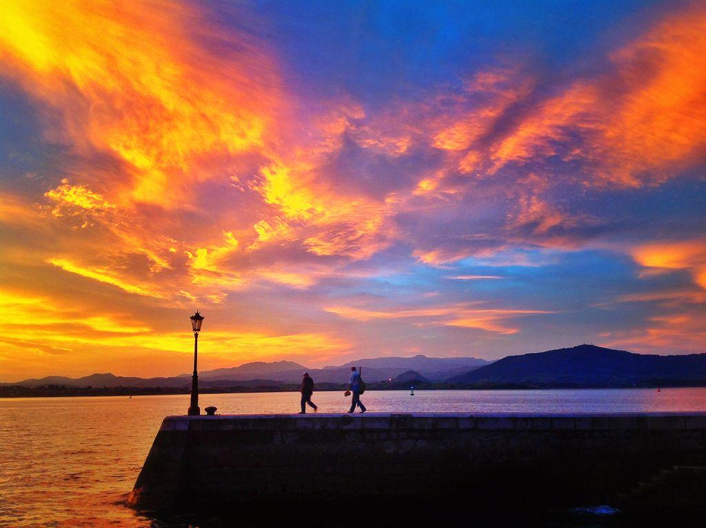 amanecer-rojo-otono-pesca-santander
