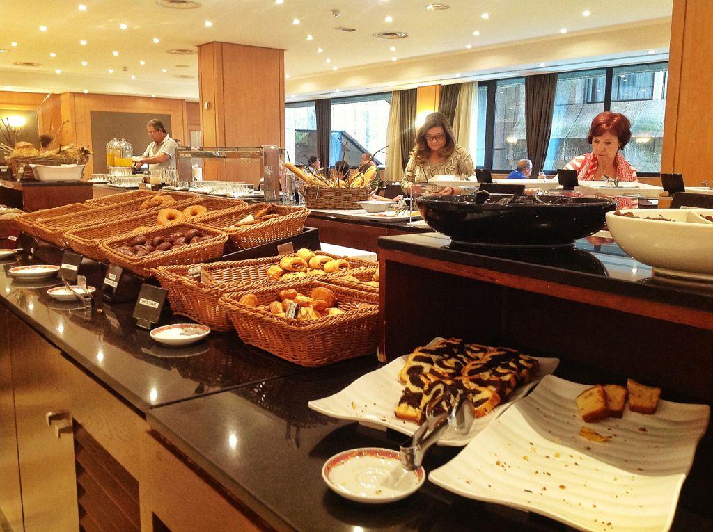 hotel-santemar-desayuno
