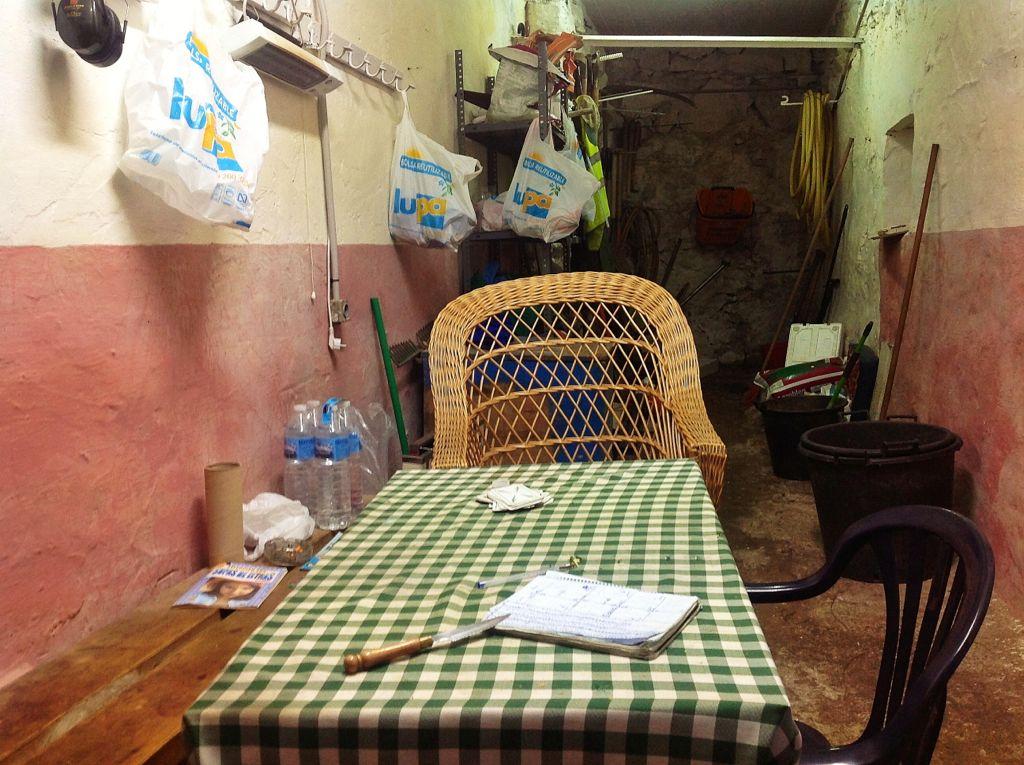 piquio-cuarto-secreto-mesa