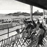 La terraza del balneario de Pombo en la Primera del Sardinero en 1932