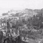 Desolación en la calle Cádiz tras el incendio que destruyó el casco viejo en 1941