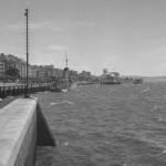 La farola del muelle Calderón un día de sur a mediados del siglo XX