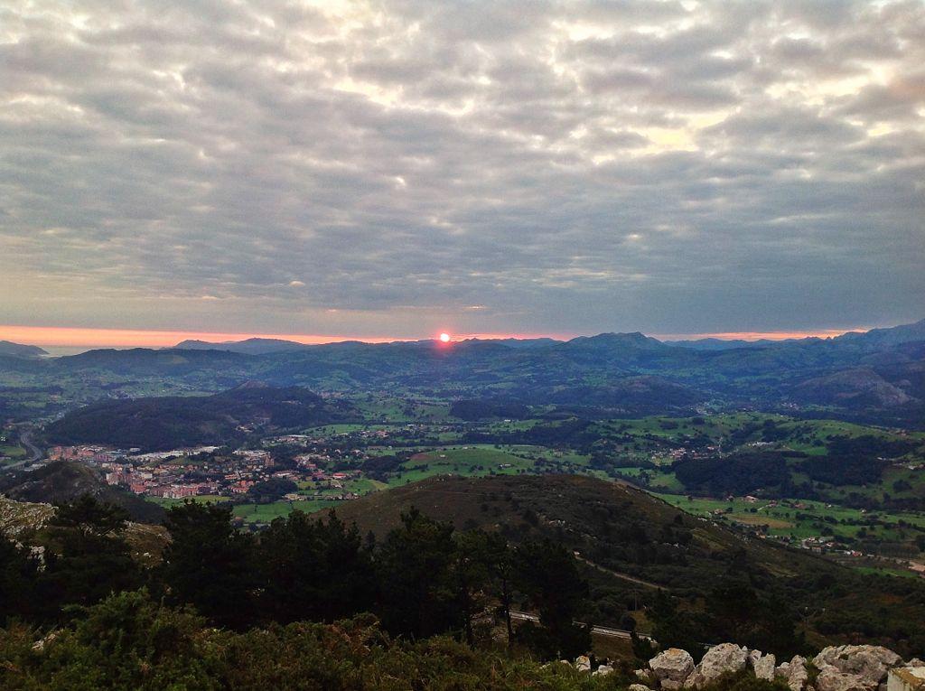 solares-santona-amanecer-penacabarga