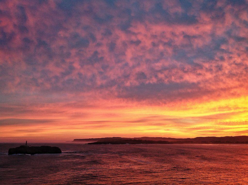 isla-mouro-amanecer-naranja