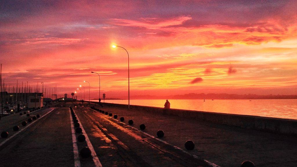 amanecer-puertochico-rojo-santander-bahia