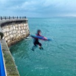 Literalmente lanzarse a por olas