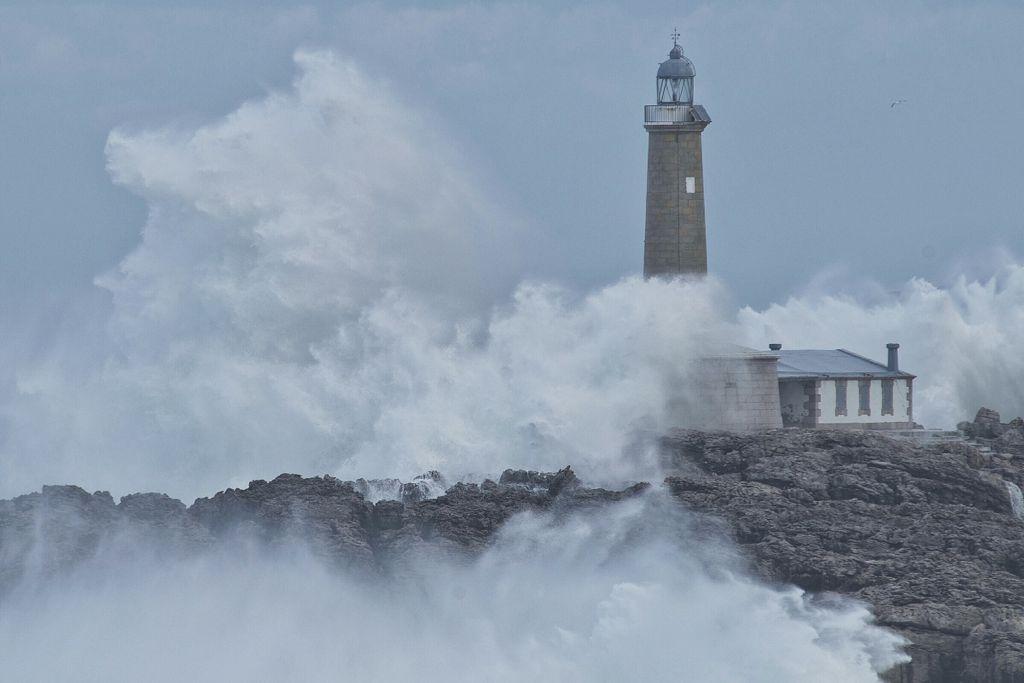 isla-mouro-santander-temporal-ola