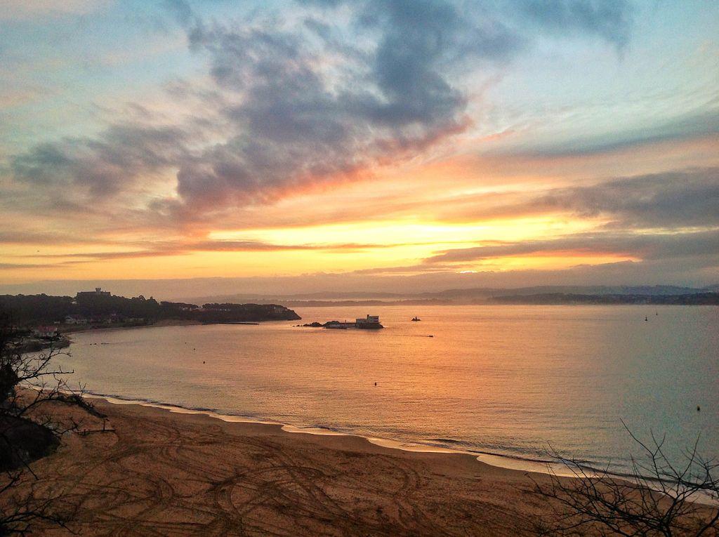 amanecer-sol-bahia-de-santander-cantabria-tras-tempestad