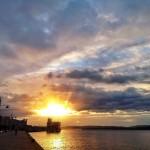 Así entra un chaparrón en la bahía de Santander