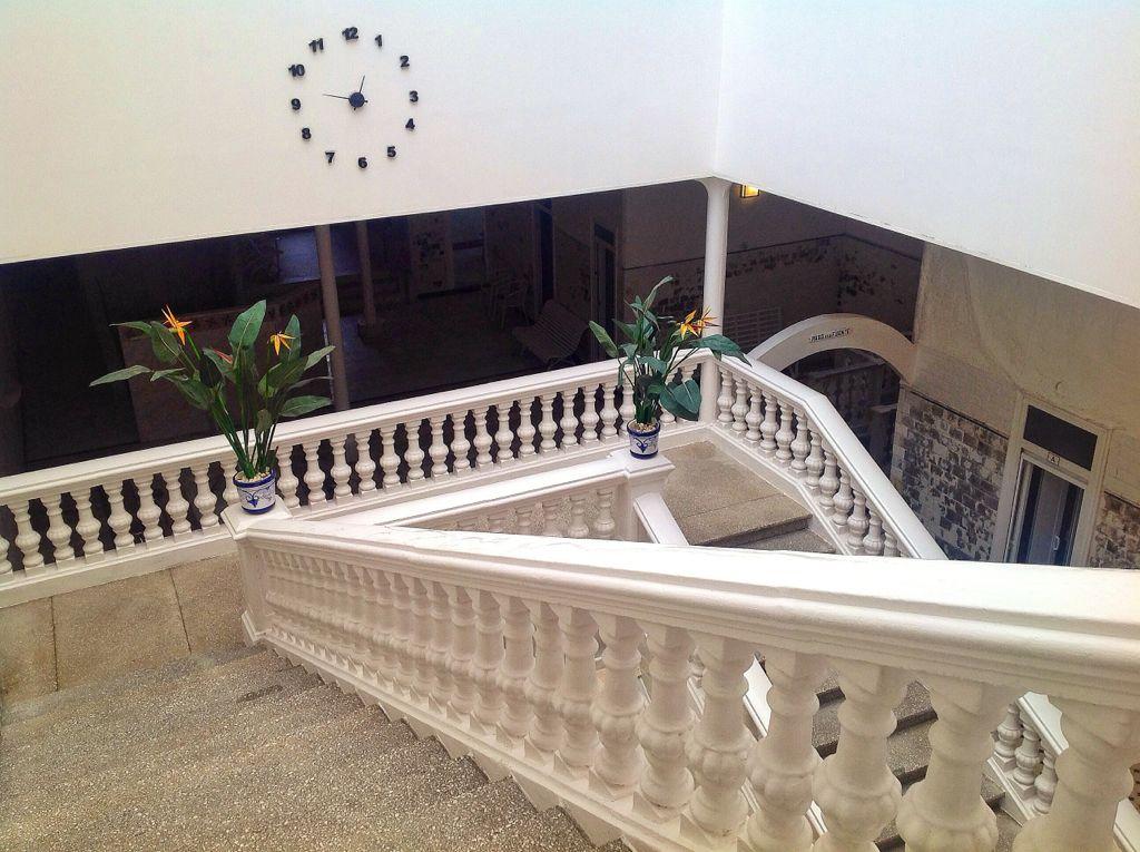 balneario-las-caldas-besaya-escalera