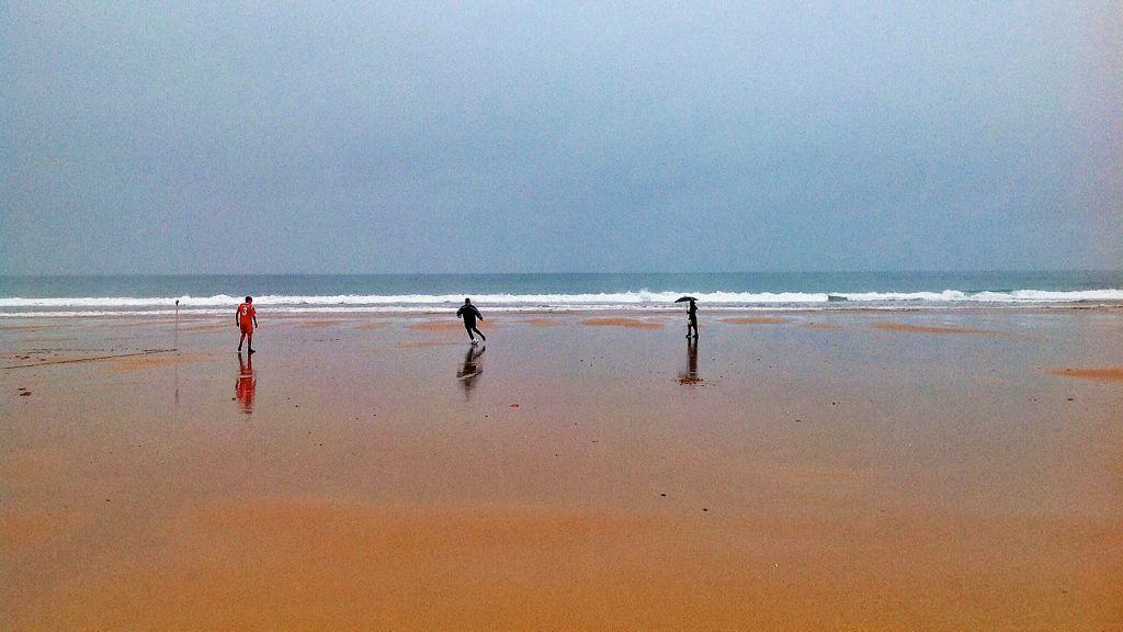 futbol-playa-lluvia-santander