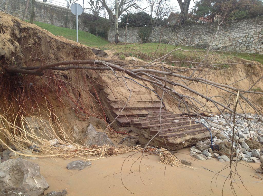 temporal-peligros-escaleras-destrozos