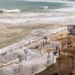 Nuevo temporal en el Sardinero: Comparamos los mordiscos de ayer con los destrozos de hoy