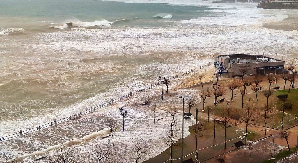 temporal-sardinero-marzo-santander-parque