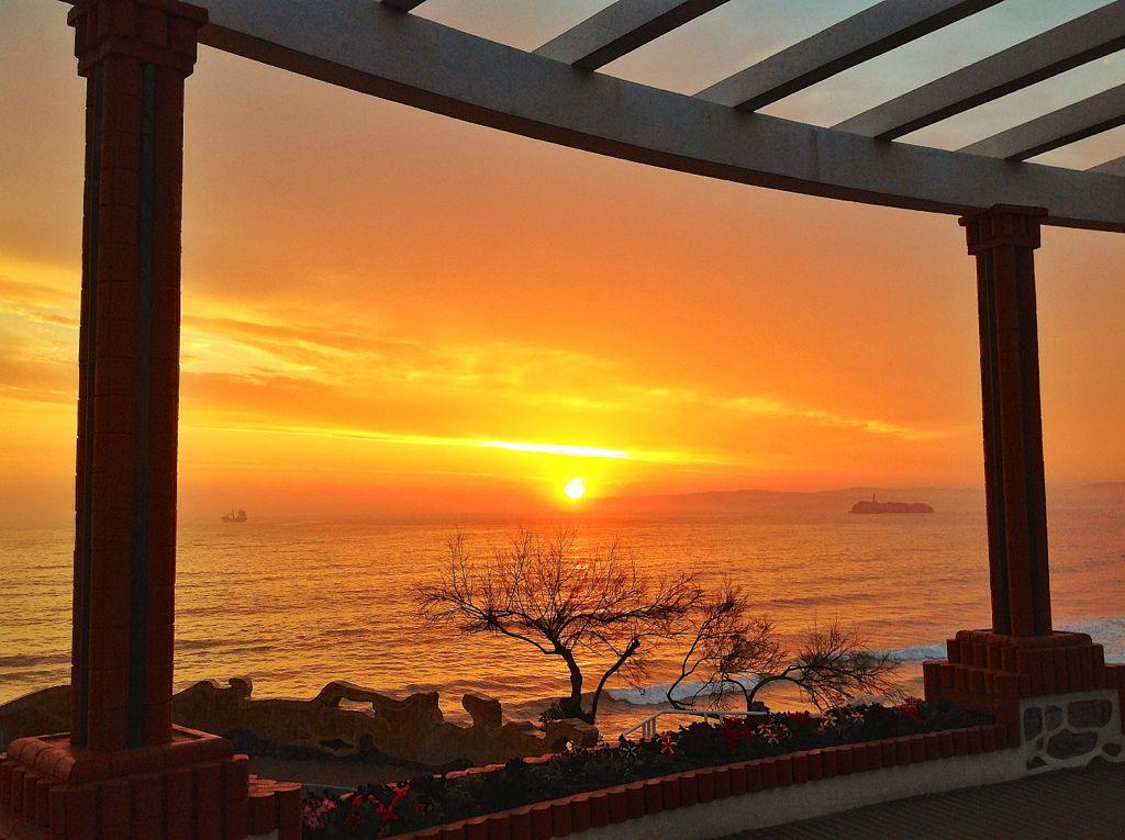 amanecer-piquio-naranja-mouro