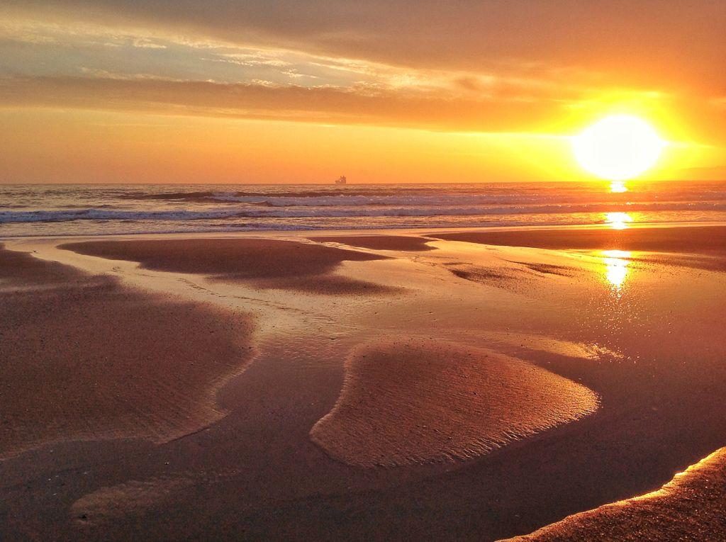 amanecer-sol-sardinero-calido