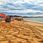 Comienza el relleno de arena en la playa de la Magdalena