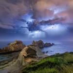 Increíbles fotos de tormentas y rayos en La Arnía y el mirador de Los Tranquilos