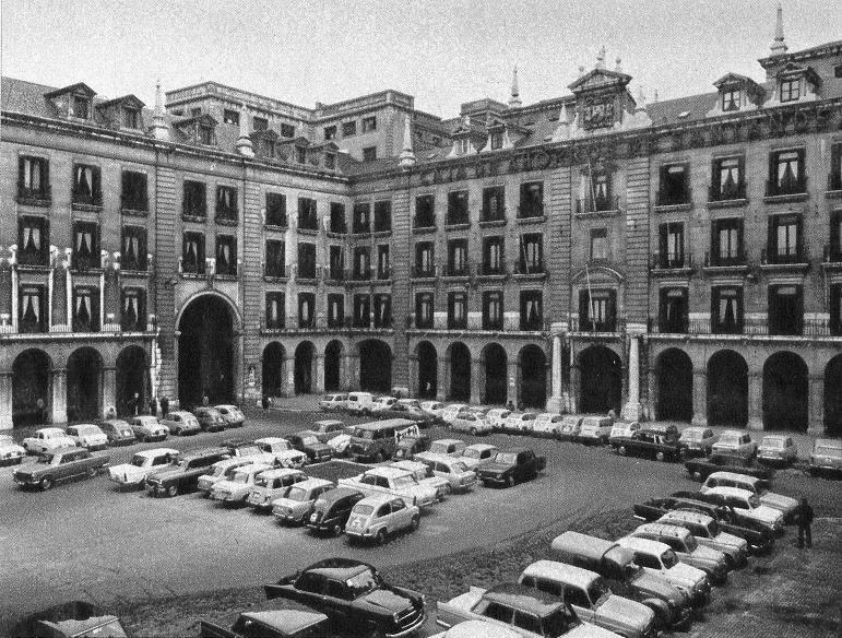 plaza-porticada-1965