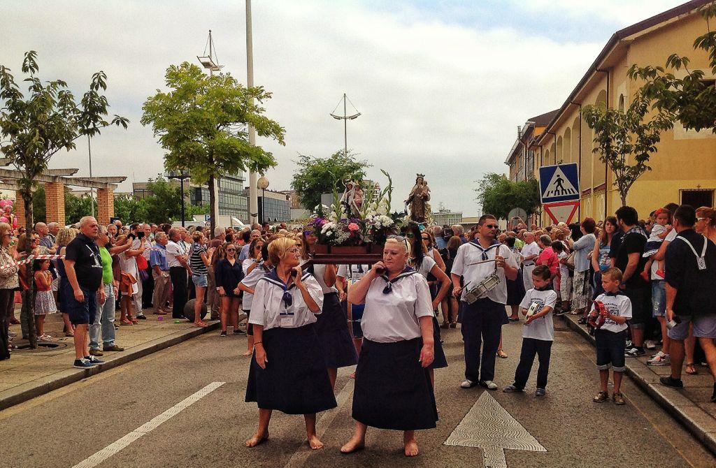 procesion-virgen-del-carmen-barrio-pesquero-santander