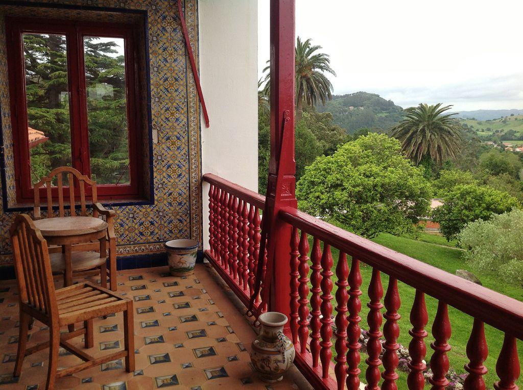 marques-valdecilla-balcon