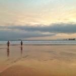 De baño, surf y pesca en el Sardinero